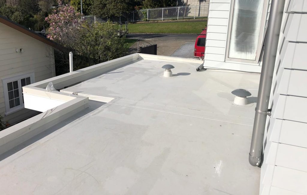 Roofing contractor Caledon